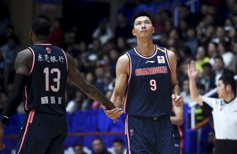 【CBA联赛】广东队打出典型团队篮球,杜峰却还不满意