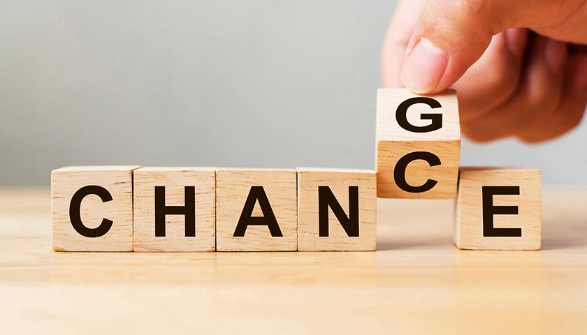户籍制度改革:政策意图,房价影响与福利变迁