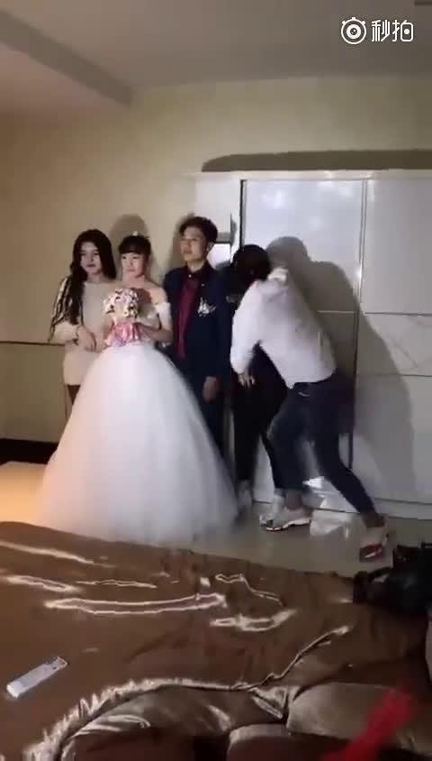 婚礼上突然强行轻吻伴娘,还发视频说伴娘太好了??