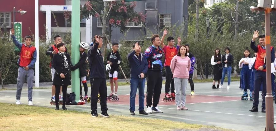 南京市莲花实验学校小学部速滑人才输送基地授牌仪式顺利举行