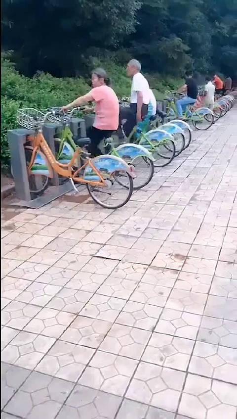 共享单车的隐藏功能还是被大爷大妈们识破了!