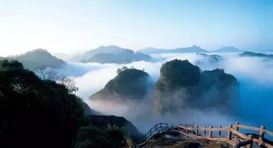 武夷山九曲溪的悬棺之迷