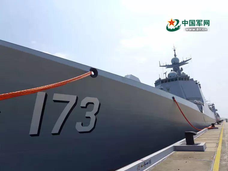 """给051型舰安装了强有力的""""心脏"""""""
