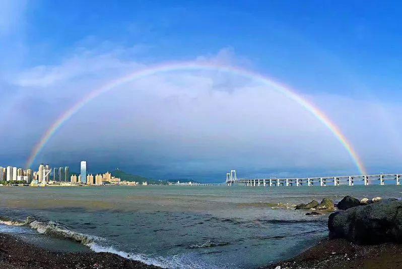天空出现那一道彩虹_雨后大连,那道彩虹美丽了整个天空!