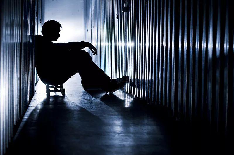 隐匿的网络自杀群:他们网上娱乐赚钱每天相约赴死
