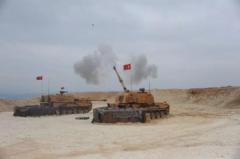 ▲10月9日,土耳其武装部队在土叙边境对叙利亚北部发动军事行动。(新华社发)
