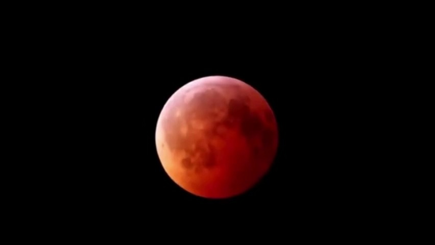 2018年1月31日超级蓝血月全食,看,月亮红了!!!