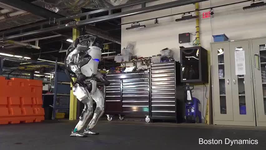 人形机器人Atlas的体操表演,这落地姿势你给几分?