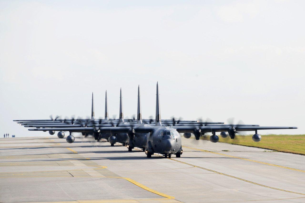 国防部神预测?美军机果然在台湾海峡搞小动作