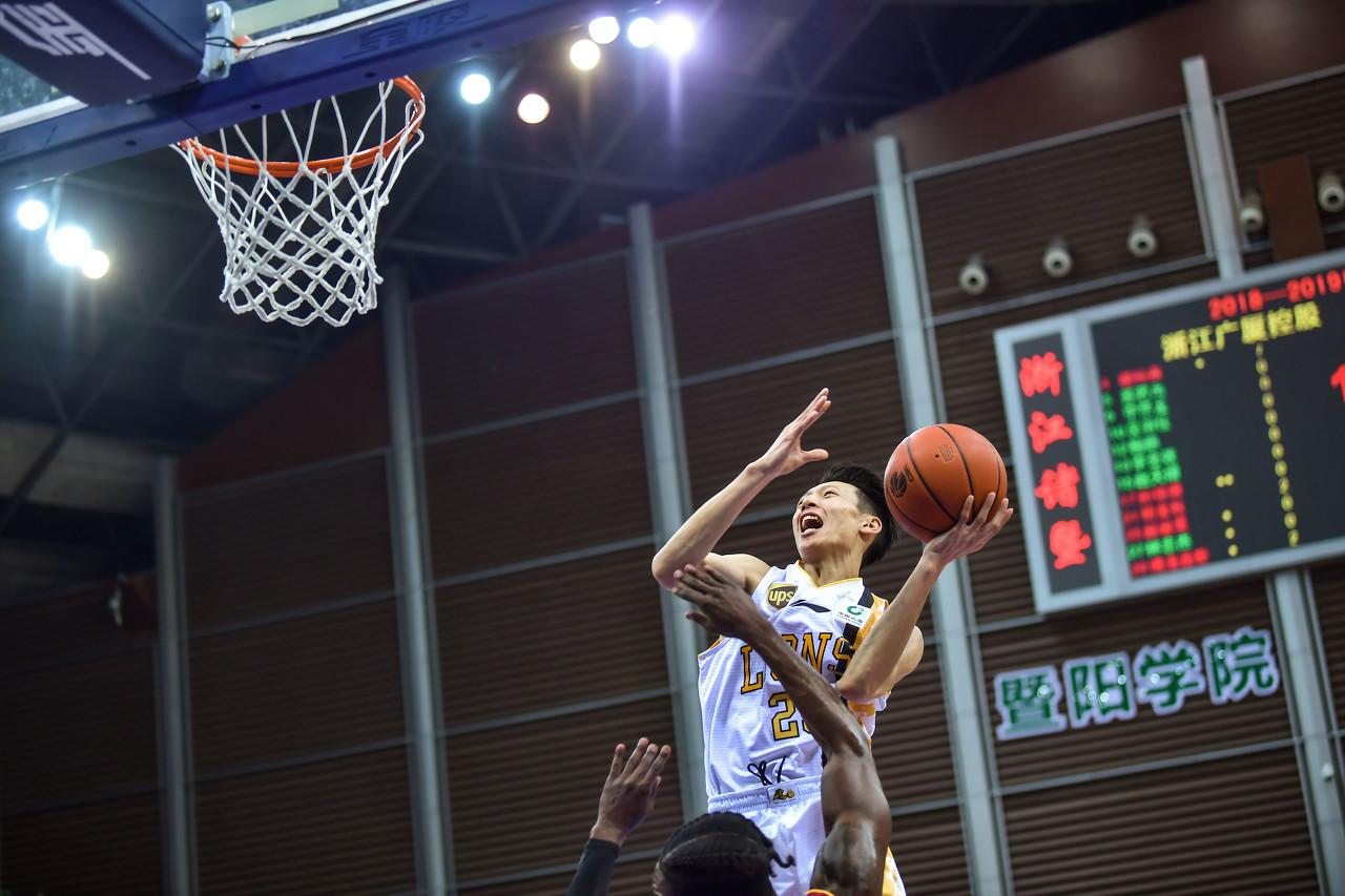 季前赛-李京龙21分 王少杰16分7板 北控险胜广厦