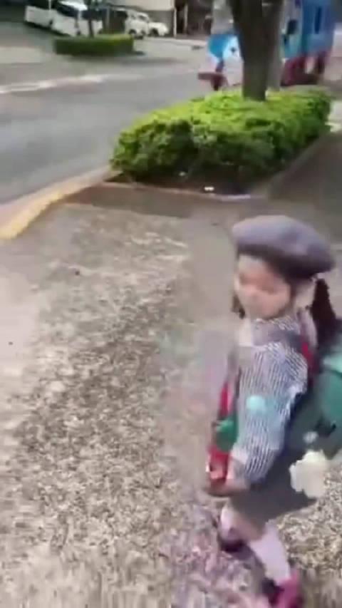 日本幼儿园校车