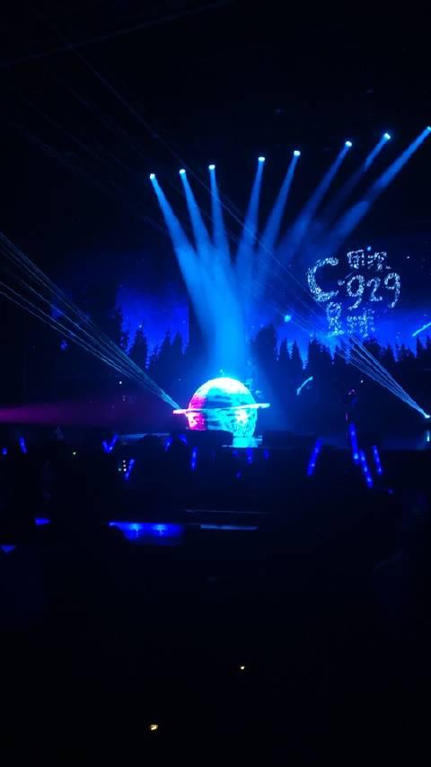 """周深 """"C·929星球""""巡回演唱会南京站 坐好了"""