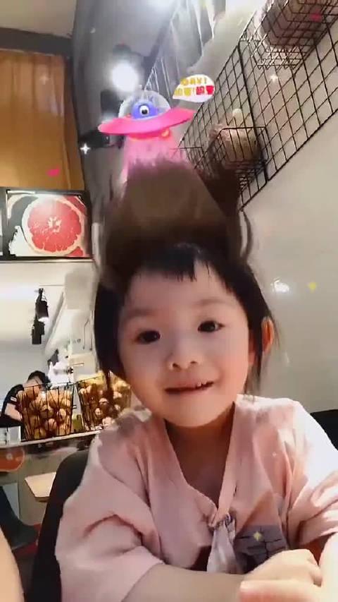 小孩子的笑声,真是好治愈啊。