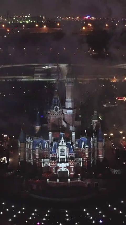 带着喜欢的人去迪士尼吧!