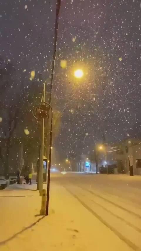 :如果把下雪的画面倒过来放…… Twitter