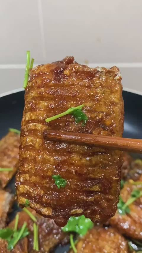 带鱼这样烧,超级好吃,三碗米饭不够吃!