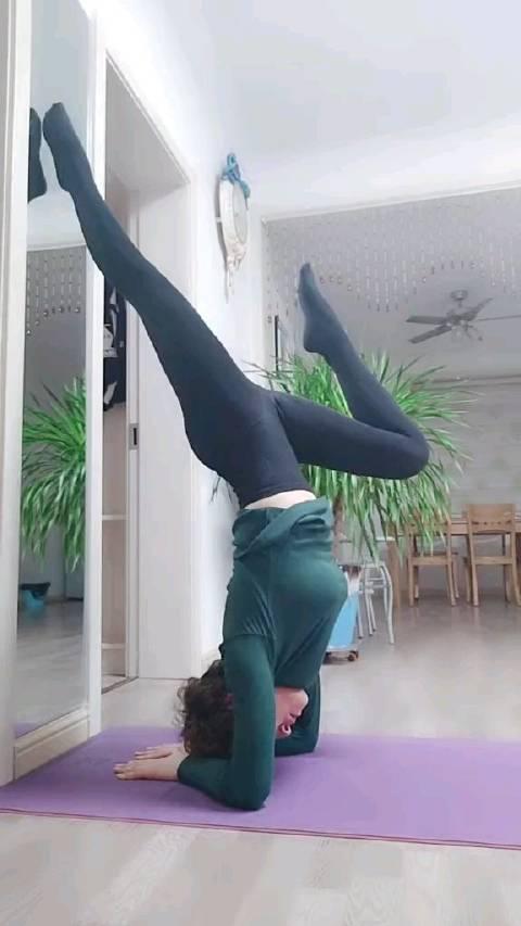 瑜伽,倒立!