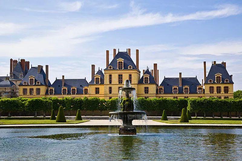 博物馆坐落的巴黎枫丹白露宫,