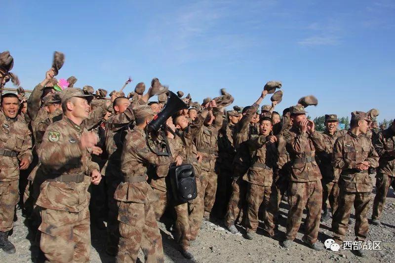 """军事比武迎""""五·一"""",兵哥哥们亮点纷呈"""