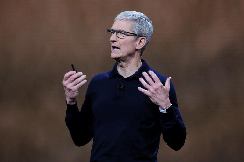 """""""苹果公司向加州报告旗下首起无人驾驶车辆撞车事故"""