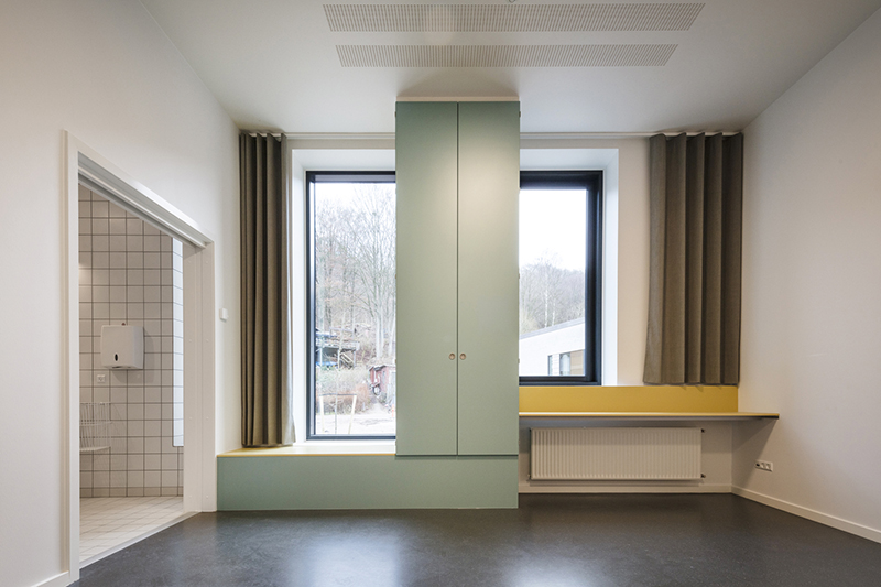 建筑师的人文主义设计:瓦埃勒精神病金属关怀波纹管医院图片