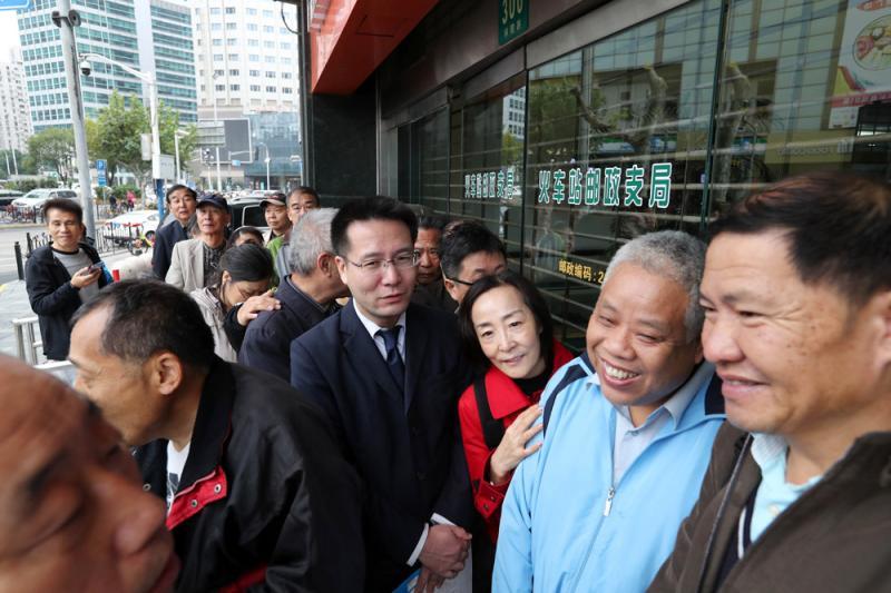 月薪8万香港女公务员辞职:拒签爱国与效忠特区文件