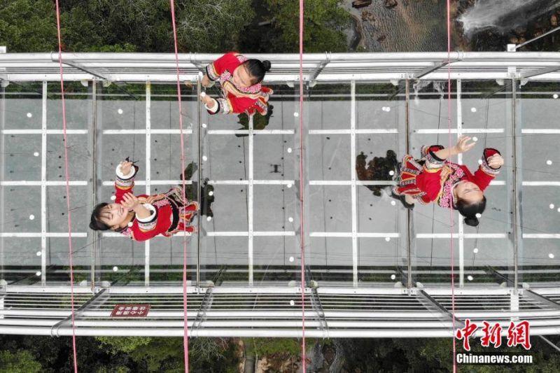 vertical lift for handicap