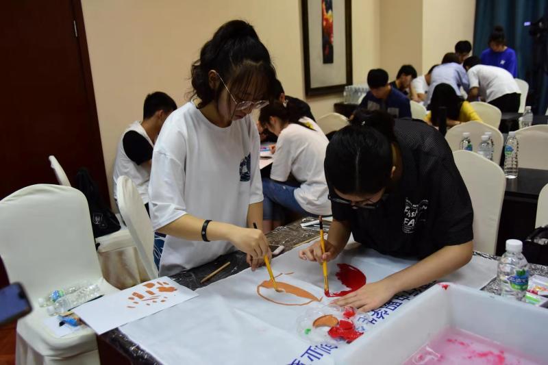 上海闵行中职生携手新疆喀什同龄人一起开网店,除了卖红枣核桃,更是共追创业梦想!