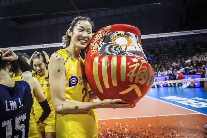祝福墨婷有一个高兴的赛季!