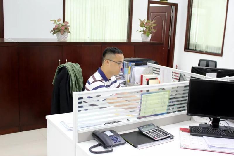 """【专题】七年如一日坚守保供工作一线——南粤集团""""十佳员工""""之张晋嘉"""