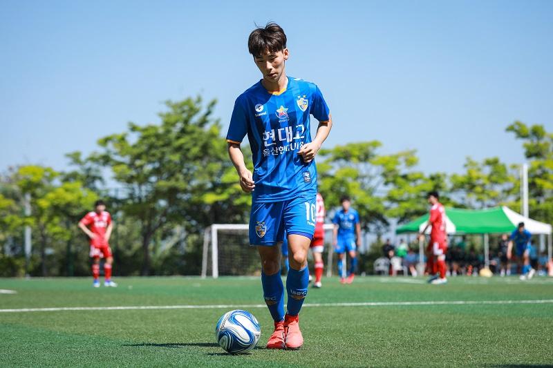官方:韩国U18球员黄宰焕加盟科隆,熊猫杯战国青戴帽