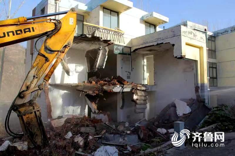 再拆1万平 济南琵琶岛度假生态园8栋违建别墅被拆