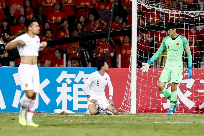 北青:熟悉的剧本一点不带变,中国足球总是活在坎儿上
