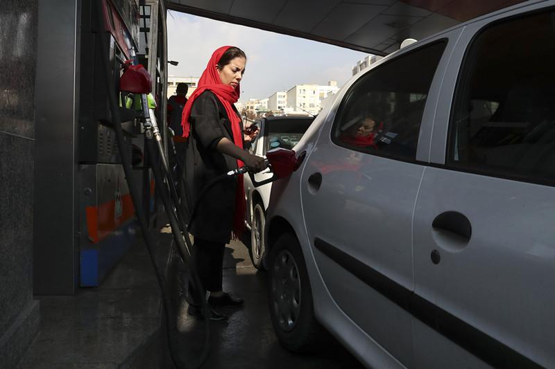 朱宁在中东   伊朗全面上调汽油价格,国内局势会乱套吗?