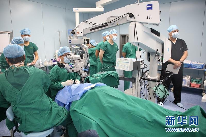 飞秒技术治疗白内障 海南博鳌乐城实现内地首例