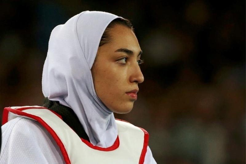 伊朗首位奥运女性奖牌获得者叛逃海外,称受伊朗当局压迫