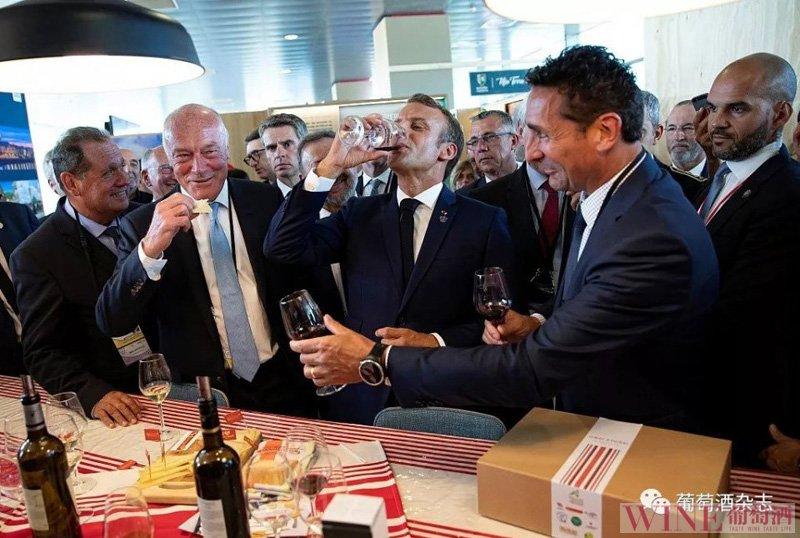 """进博会法国总统马克龙送上价值16万""""国礼"""",引爆朋友圈刷屏"""