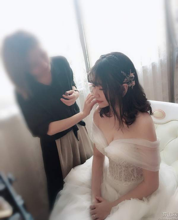 "B站UP主""王老菊""与女友结婚!晒新娘婚纱照大秀恩爱白眼狼君"