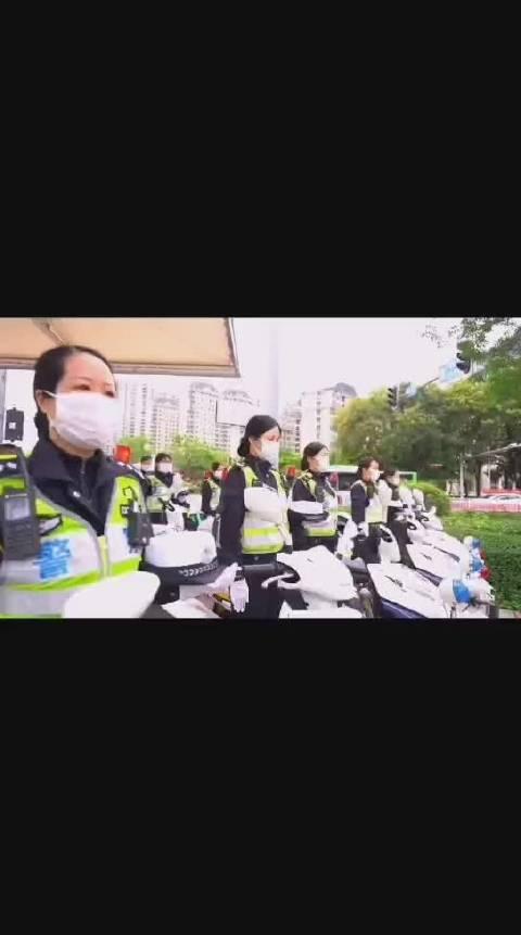 惠州公安交警深切哀悼抗疫烈士和逝世同胞