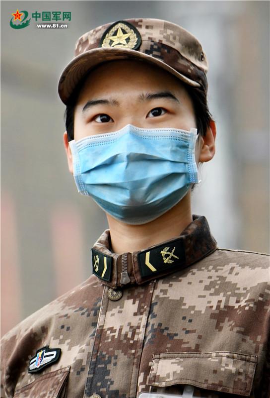 刘思彤:武汉一线最年轻的士兵护士