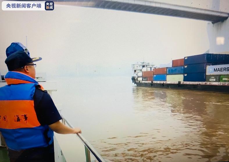 长江航道进入汛期 部分航段实施临时交通管制图片