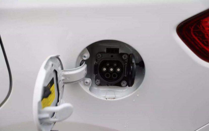 冬季消失的续航都去哪了?怎么保养电池能延长寿命?