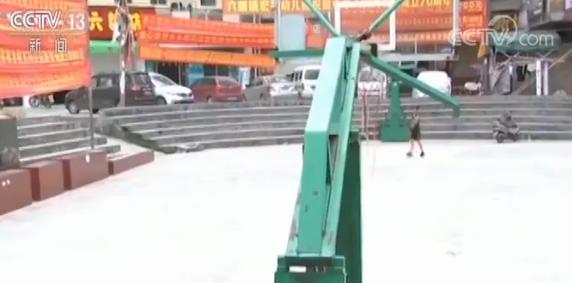 广西震中摊贩已开始摆摊 居民回忆起来还心有余悸