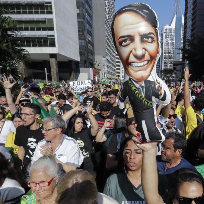 巴西总统大选网红领先,都怀疑是得到特朗普真传