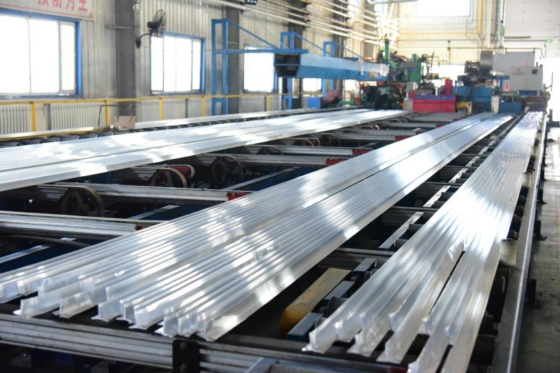 福建产业援疆园自动化生产纸巾 少数民族占员工半数
