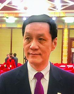 访北京人民艺术剧院演员队队长冯远征委员:艺术创作要扎根人民扎根生活
