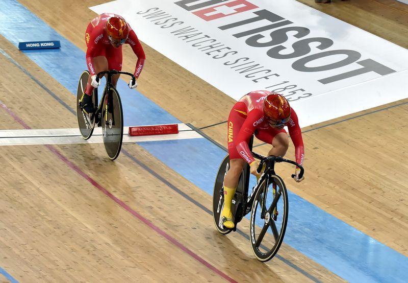 场地自行车世界杯香港站揭幕  钟天使率中国队夺女子团体竞速赛银牌
