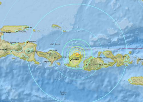 印度尼西亚发生7.0级地震 震源深度10.5公里