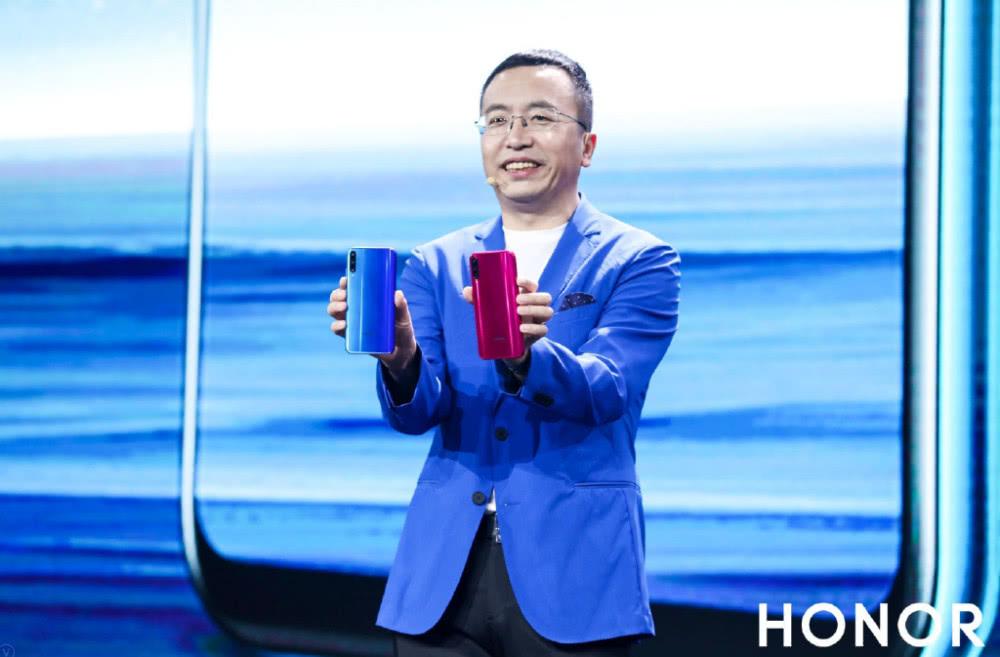 雷军称明年小米推10款5G手机,荣耀赵明:堆数量没意义 华为5G领先