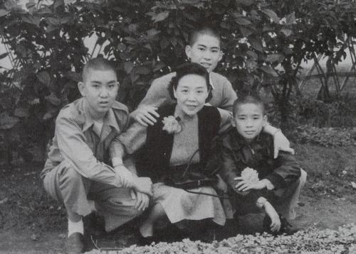 白先勇:我的母亲马佩璋女士是个女英雄